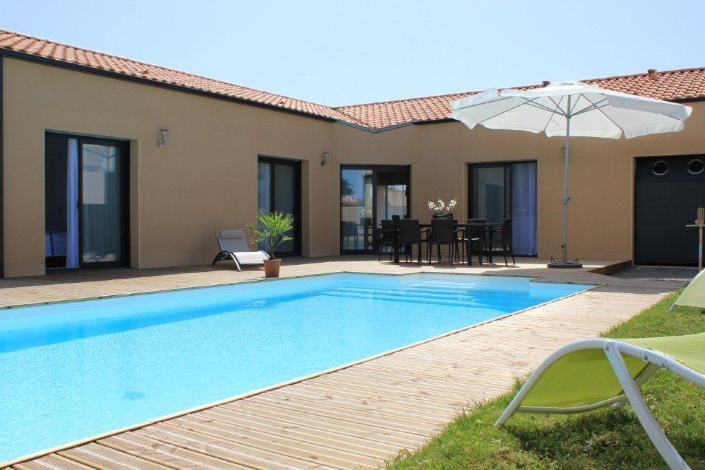 Location Vacances Maison Brem Sur Mer: Espace Exterieur