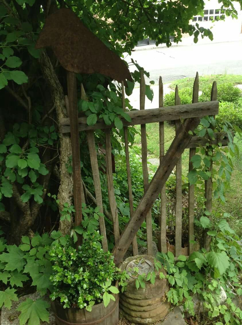With Images Garden Gates And Fencing Garden Projects