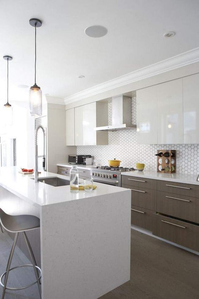 Cocina blanca moderna isla azulejos cocinas kitchen for Cocinas modernas blancas precios