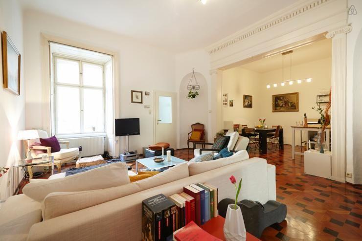 Traumhaftes Zimmer im Ersten Bezirk zur Zwischenmiete (Juli-Okt - grose fenster wohnzimmer