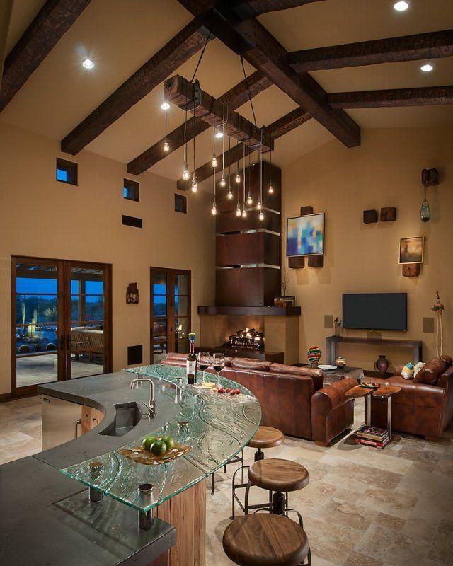 maskulines wohnzimmer mit landhaus-charme-bar mit glas-theke und ... - Wohnzimmer Design Landhaus
