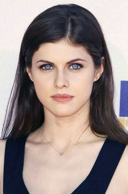 Alexandra Daddario Actress Images Age Wiki Matthew Height