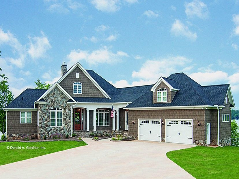 Craftsman Style House Plan 3 Beds 3 5 Baths 3022 Sq Ft Plan 929 26 Craftsman House Plans Craftsman Style House Plans Chatsworth House
