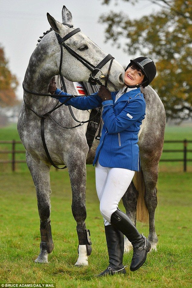 Meet Karen Law Britain S Only Blind Show Jumper And Her Horse Pearl Dapple Grey Horses Beautiful Horses Horses