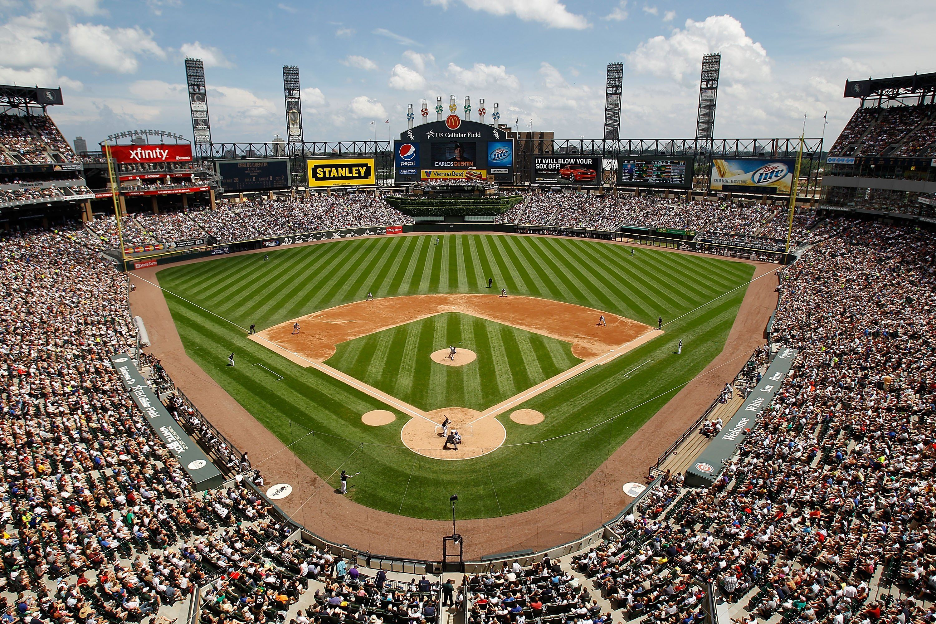 U S Cellular Field Home To The Chicago White Sox Baseball Park Baseball Stadium Ballparks