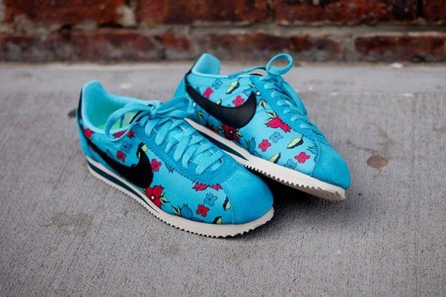 Nike Classic Cortez Nylon QS Aloha: Blue