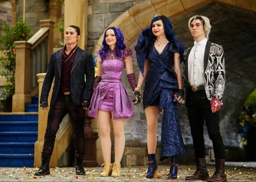 New pictures from D3 ????????????❤… #descendants3