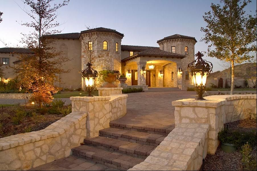 Homes of the Celebrity 100
