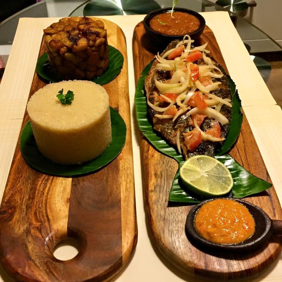 Atti k poisson restaurant le kokoriko paris african food pinterest plat africain - Restaurant poisson grille paris ...