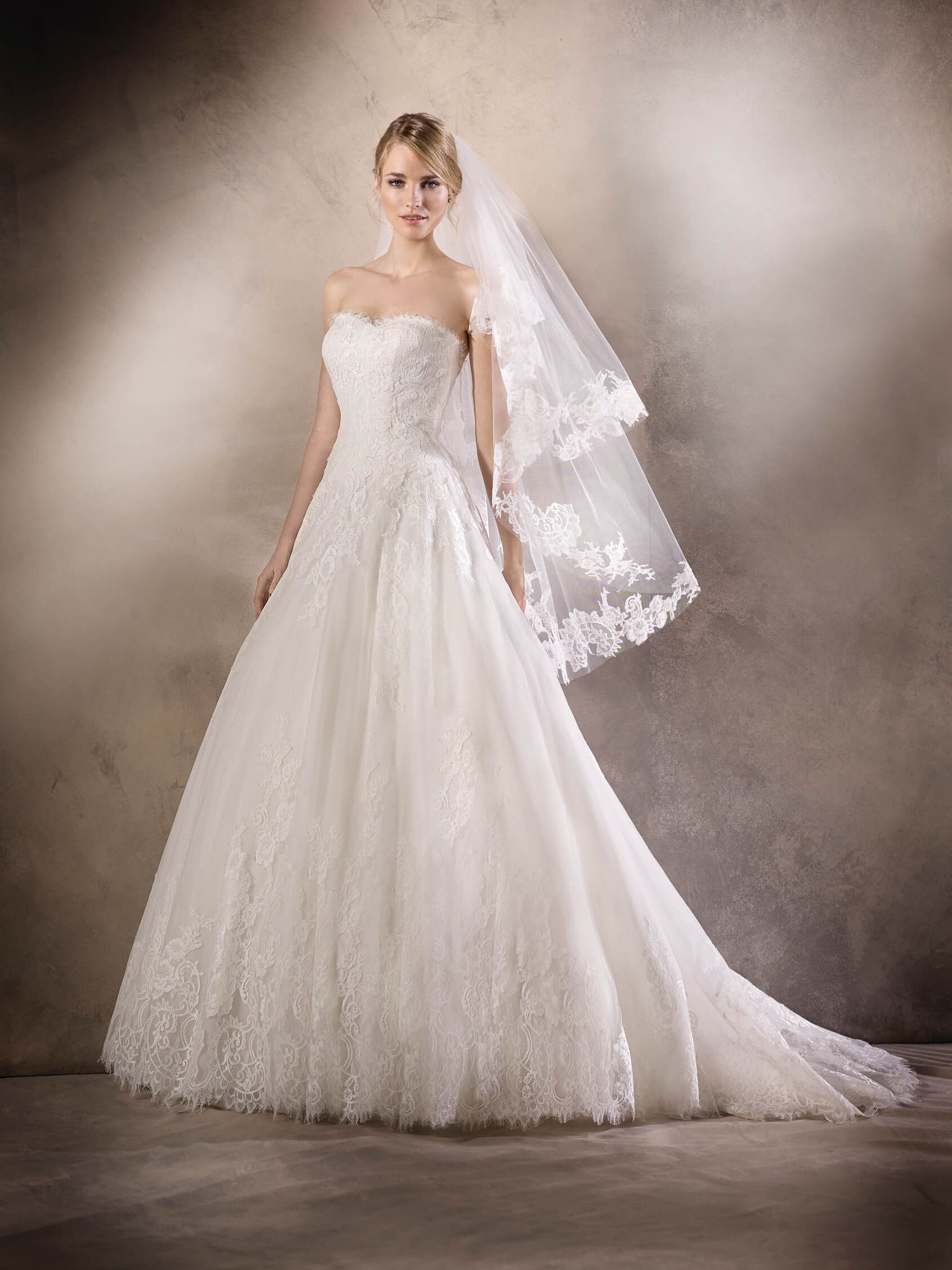 HOLIDAY is a romantic princess wedding dress with a sweetheart ...