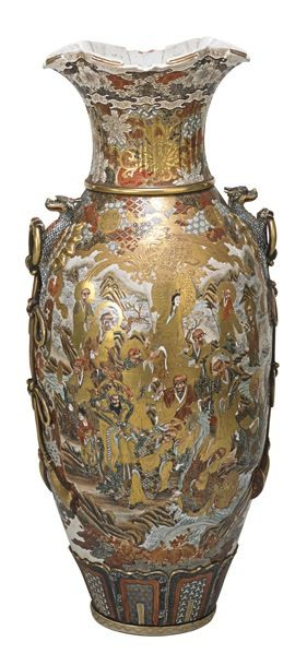 A monumental Japanese Satsuma pottery palace vase. thousand faces design, Meiji period, Japan, xirca 1900