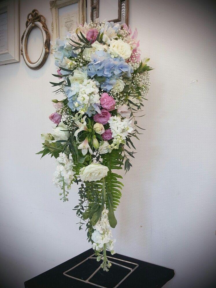 ปักพินโดย Somrudee Ek ใน Thai Floral Garland