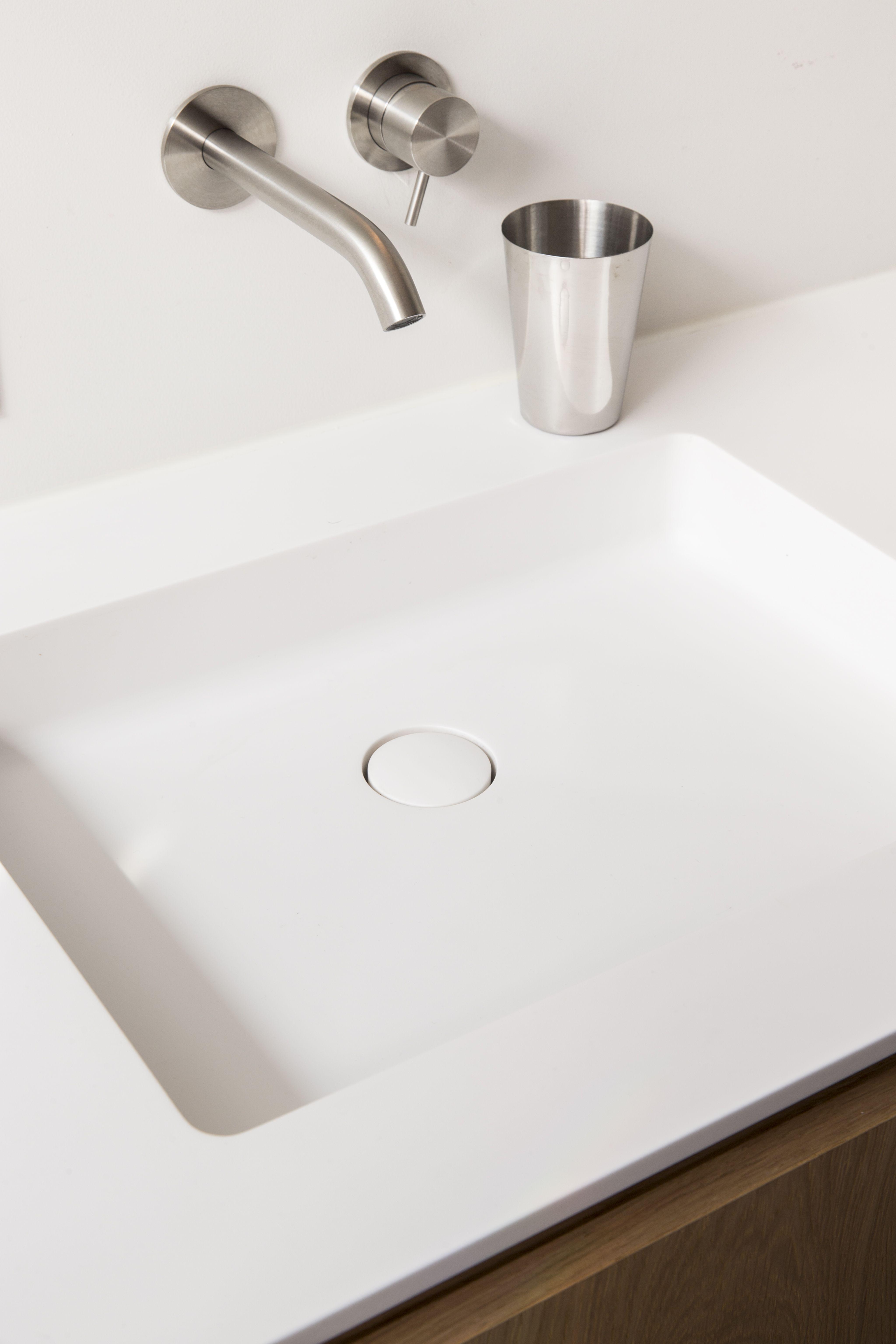 wastafel corian bdutch solidsurface kranen bathroom