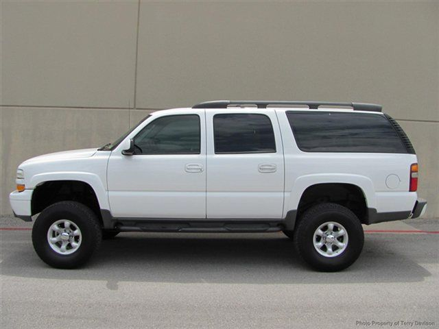 2003 Chevrolet Suburban 4dr 1500 4wd Z71 Click To See Full Size