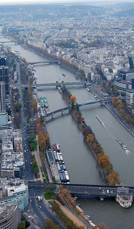 A view of the Seine river - Paris, France   by pierrefonds
