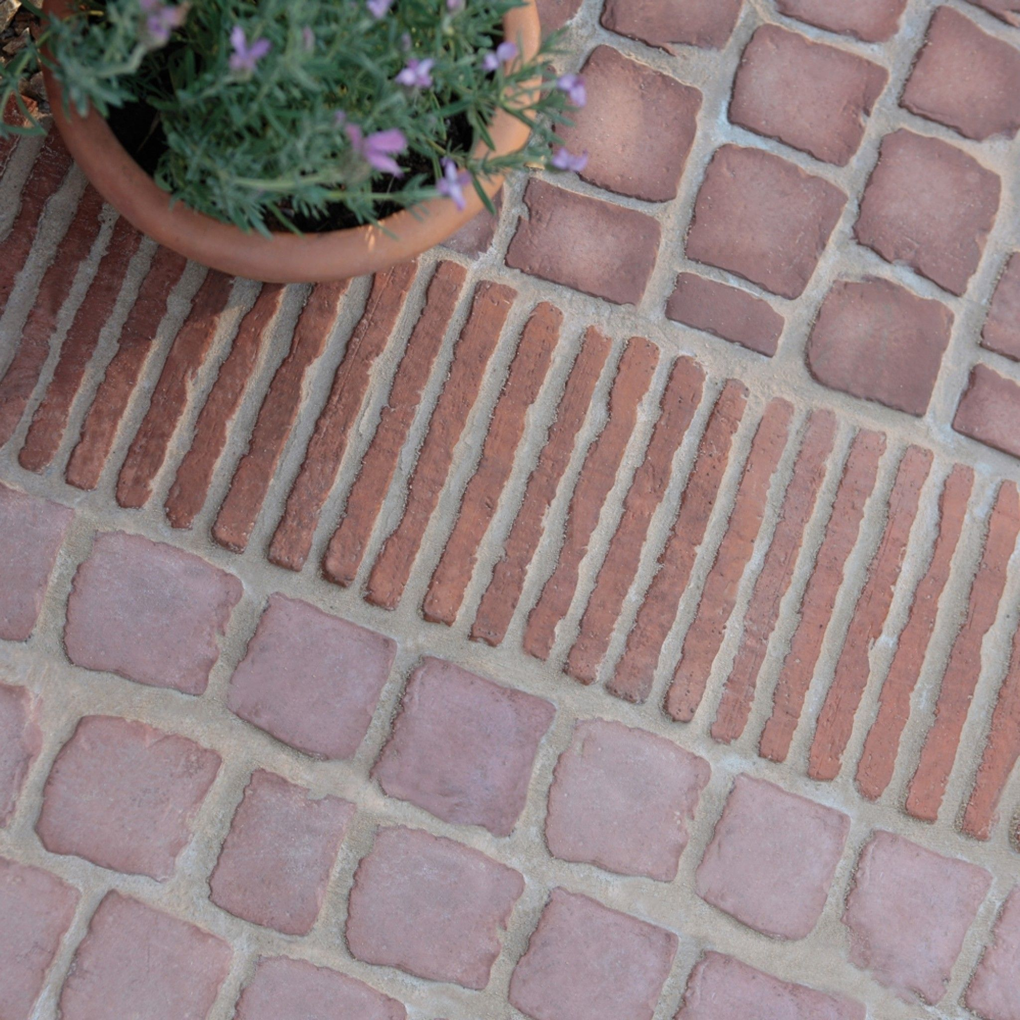 Bradstone Carpet Stones In Rustic Red Stone Edging Garden Edging Stone Driveway