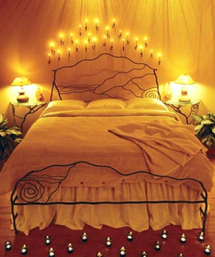 Romantic bedrooms with candles and flowers lpmocj blue for Romantic bedroom design