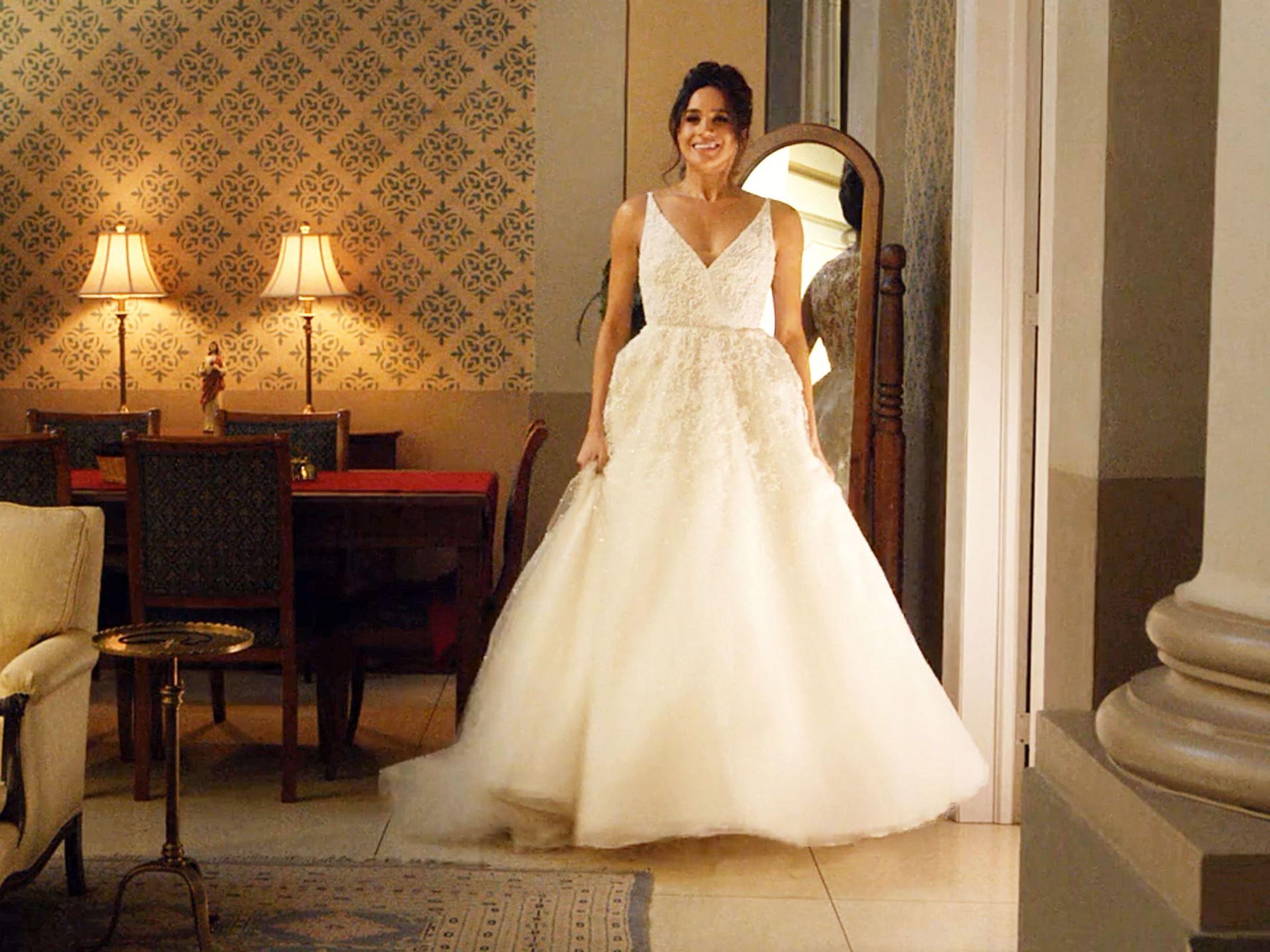 22064cf2653 PHOTOS. Meghan Markle   découvrez-la en robe de mariée