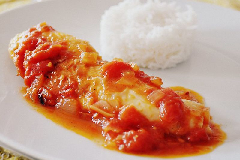 Spanish Chicken with Tomato Sauce (Pollo con Tomate) - Spanish Recipes