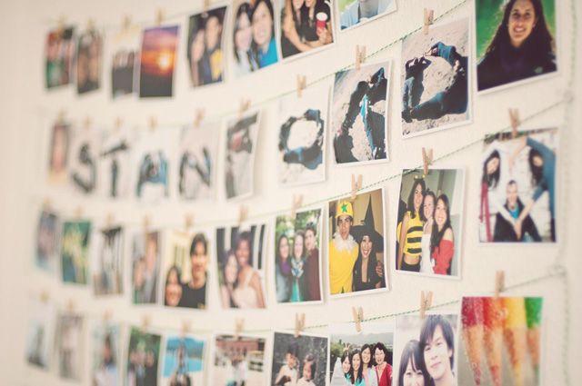 Creative Wall Displays Get Those Photos Off Your Hard Drive Wall Display Photo Wall Display Photo Displays
