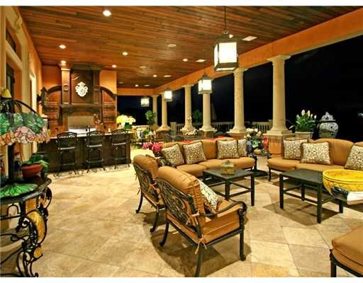 outdoor living area features