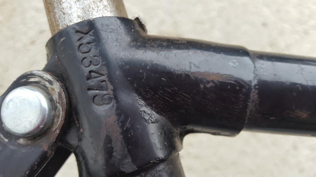 altes 28er Lasten Fahrrad mit Karbidlampe Oldtimer