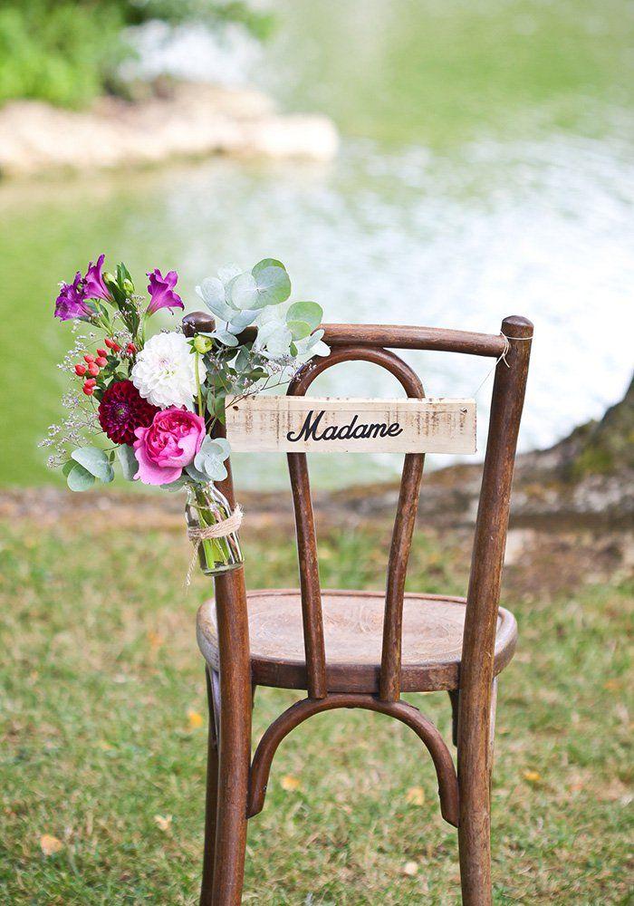 Une Chaise De Mariage Fleurie Mariage Plein Air Chaises De Mariage Mariage