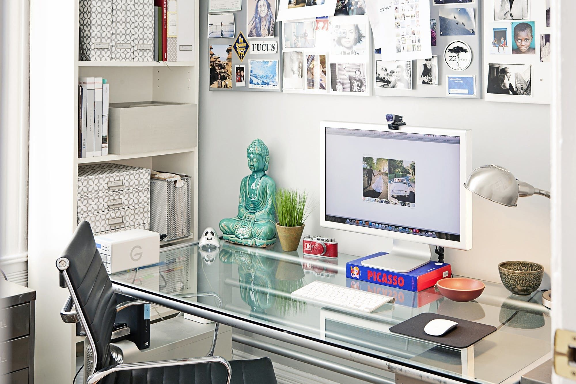 5 Ways To Organize A Desk Without Drawers