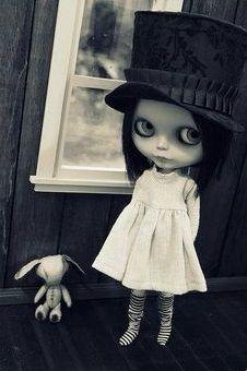 Skull, gotich, goth,artes, music, flower, hard, rock, love, ambient, eyes, dolls, vampire, cool, dark,fantasy.