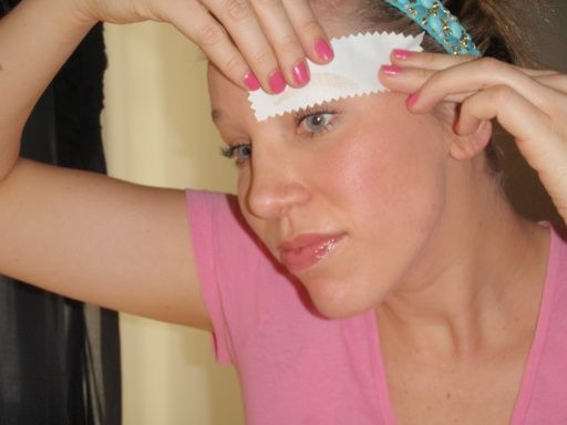 Wax your eyebrows at home   Beauty hacks, Hair beauty ...