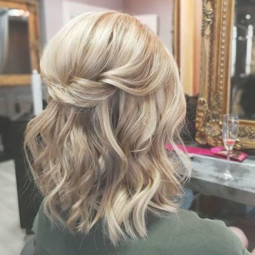 Untitled Untitled Hairstylewavywedding Short Wedding Hair Half Up Hair Bridesmaid Hair Short