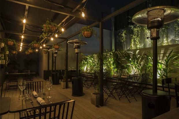 Bar En Terraza De Casa