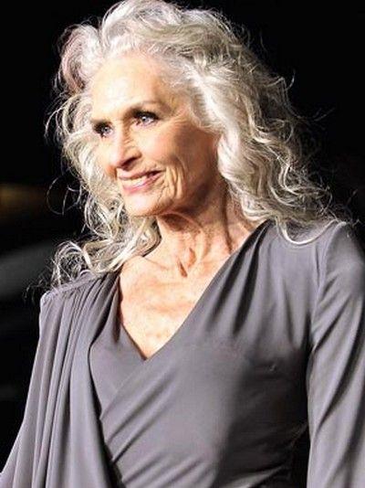 Daphne-Selfe, 83