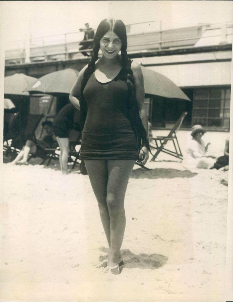 Long Haired Loretta On Long Beach California 1923 Vintage Swimsuits Vintage Summer Roaring Twenties