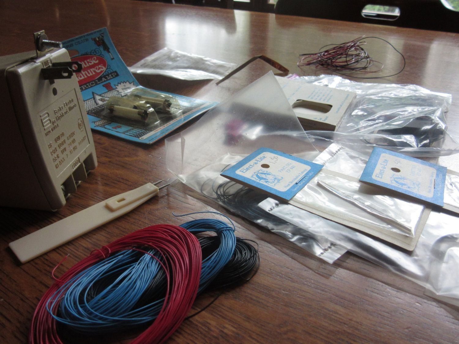 Inscrutable Vintage Doll House Electrical Components Dollhouse Wiring Lighting Building Parts Construction