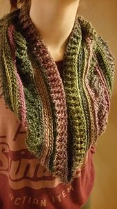 Ravelry: Scrappyhollis' Ups and Downs Cowl