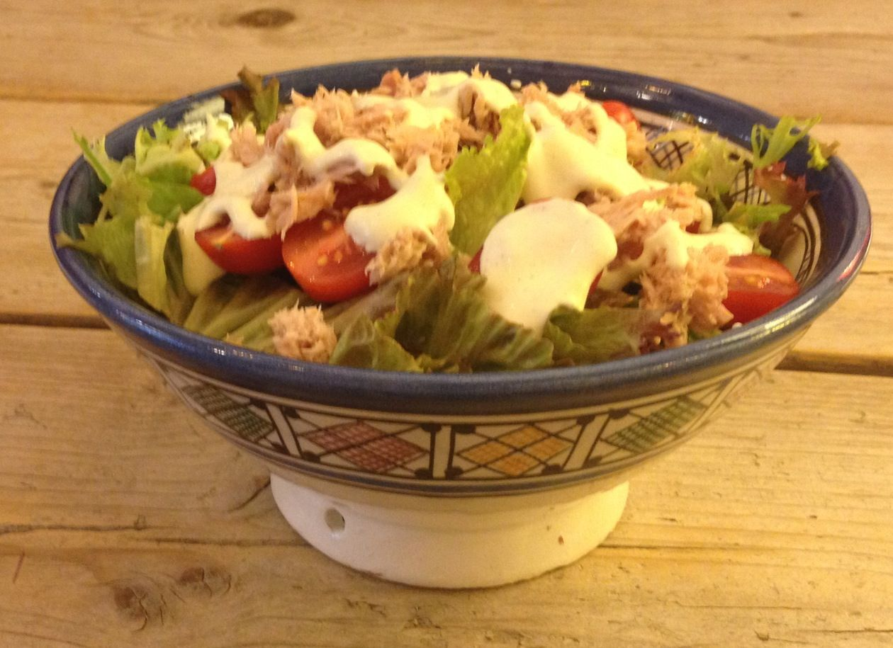 Tuna salad, served in a scale from www.hamelhuys.nl