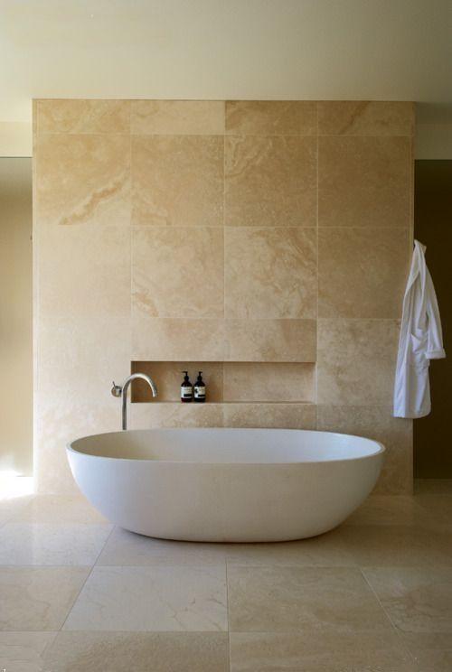 Photo of La badet skinne med passende baderomsfliser. www.granit-na …