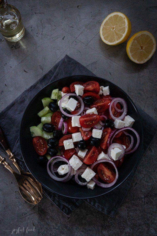 Griechischer Salat: das leckere Rezept mit nur 5 Zutaten | Joyful Food