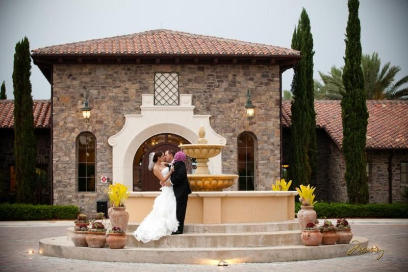 Parkland Golf Country Club S Fountain Makes For Great Photos During A Wedding