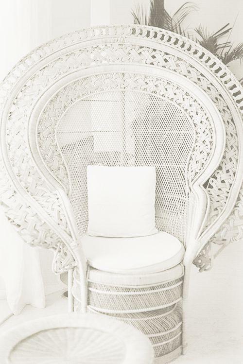 Bohemian Bride / Peacock Chair (instagram: The_lane)