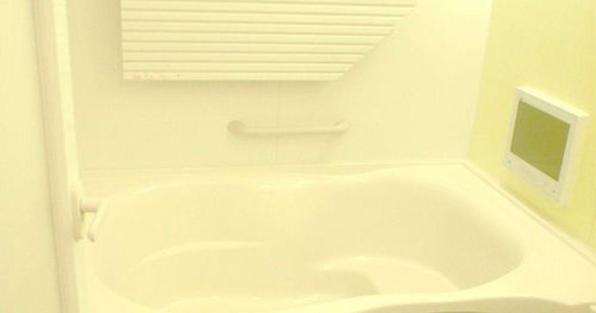 お風呂の頑固な黒カビ退治 熱湯とドライヤーとキッチン泡ハイター