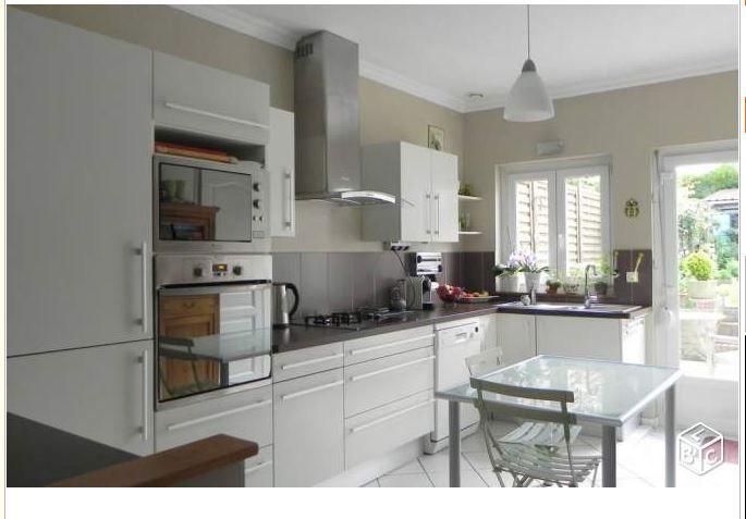 J 39 aime tout couleurs meubles configuration vier sous for Cuisine configuration