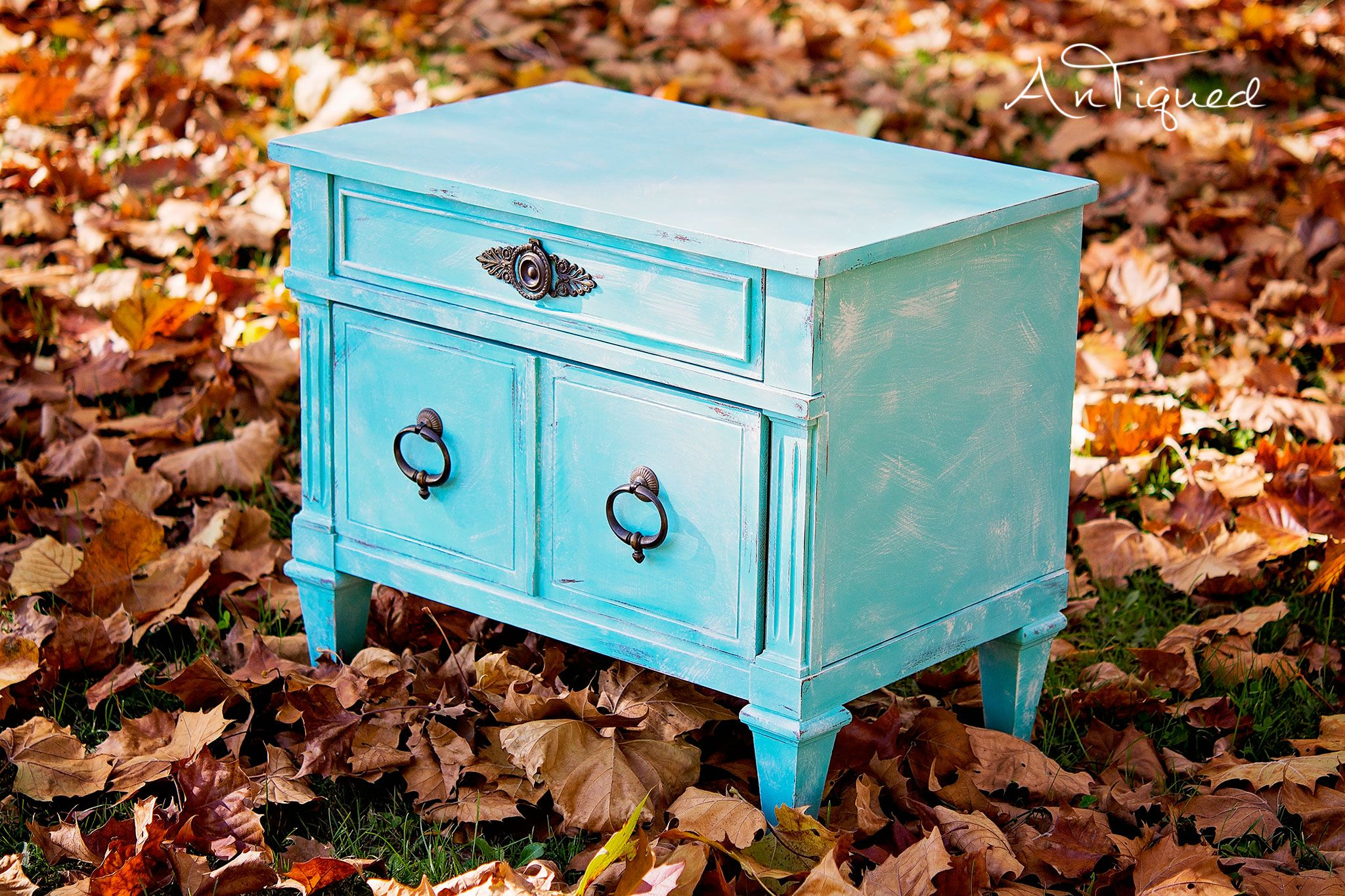 Best Light Blue Distressed To White Nightstand White 640 x 480