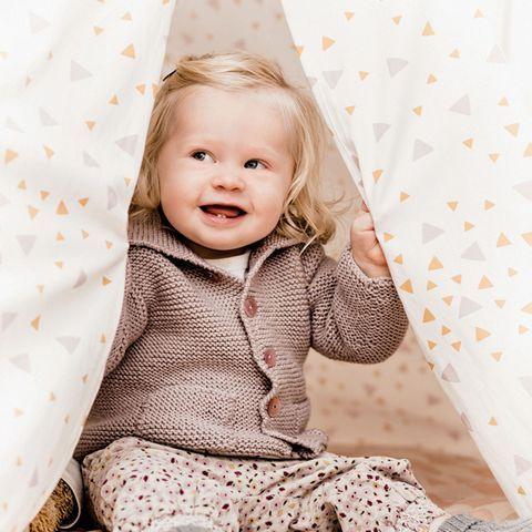 Baby-Cardigan stricken: Anleitung für eine süße Strickjacke #crochetbabycardigan