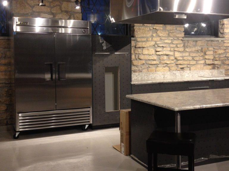 Captivating Kitchen Sync #WinnipegWeddingLocations #ManitobaWeddingLocation  #AmandaDouglasEvents