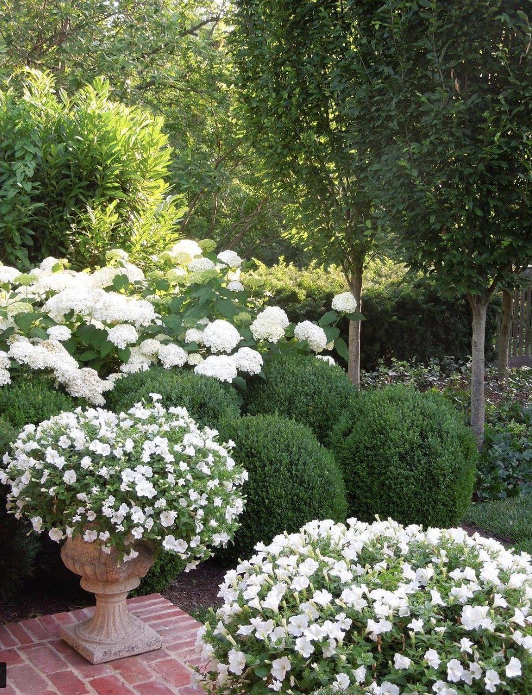 Dekoideen für den englischen Garten #gartengestaltung ...