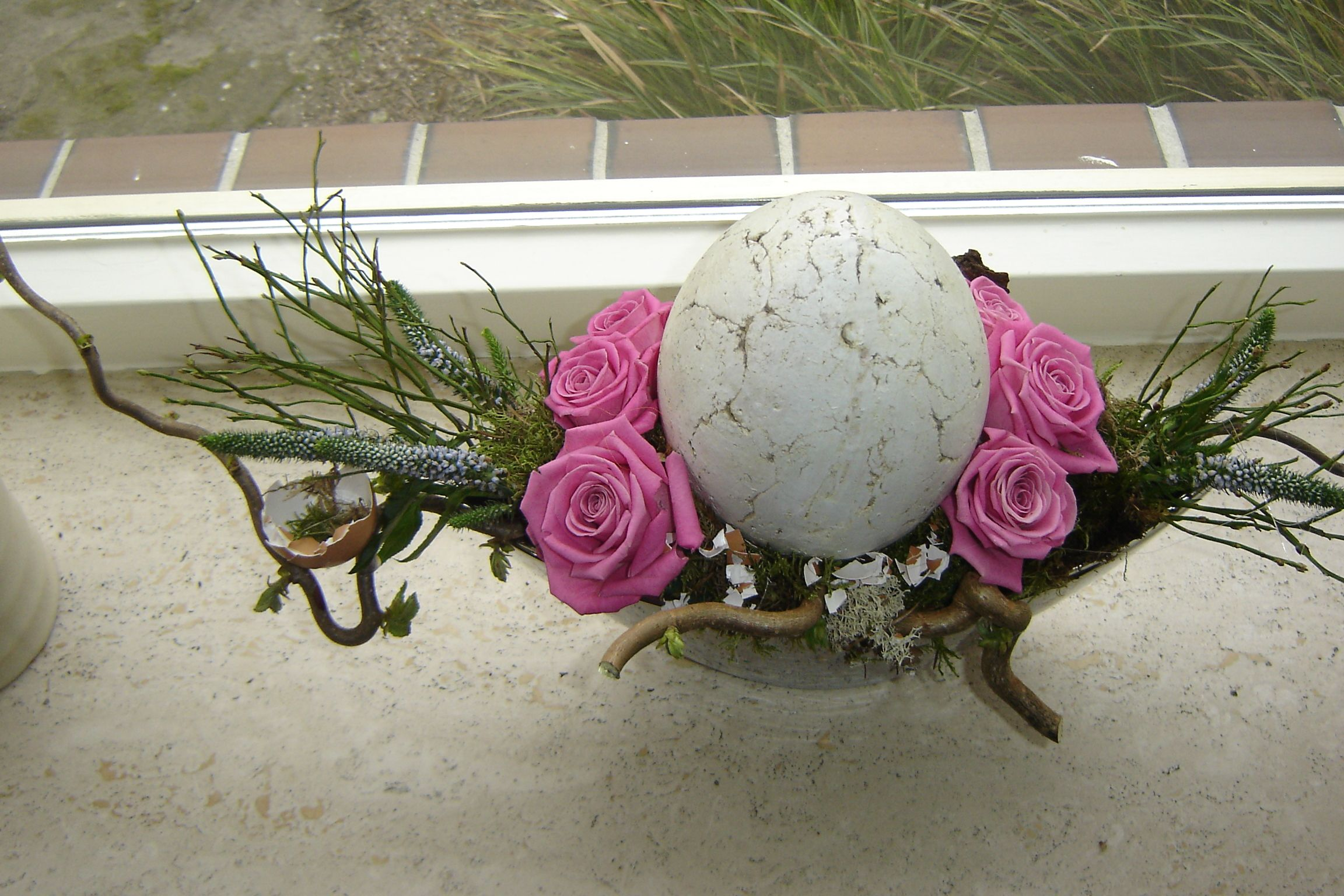 Eastern egg with roses