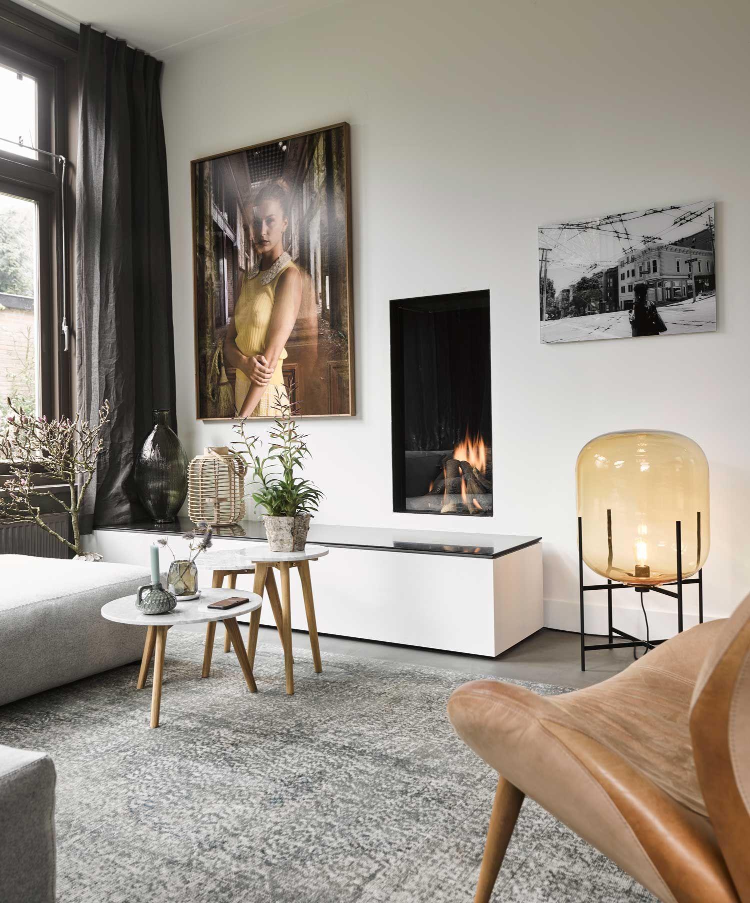 Interiordesign #livingroom #couch #carpet #art #lighting #woonkamer ...
