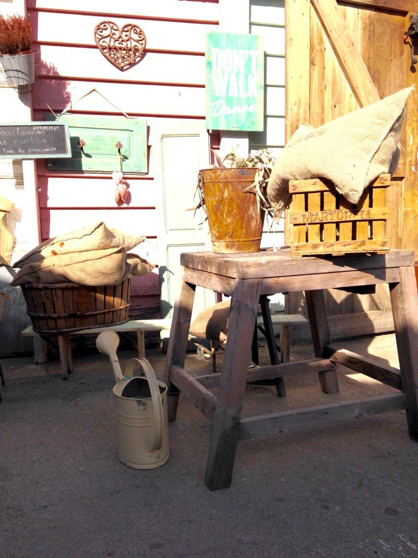 Percheros Cojines Jarrones Woodies Y Mucho M S En  # Muebles Sant Cugat Del Valles